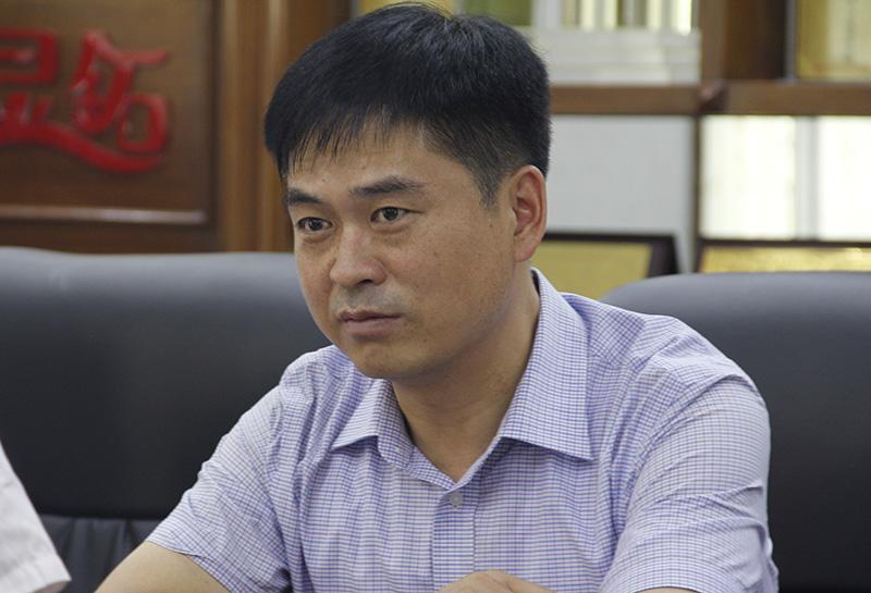 河南省散装水泥办公室副主任张金祥。