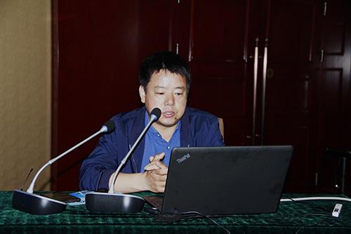 中国建筑材料科学总院教授高春勇讲解《高性能混凝土与水泥》技术知识。.JPG
