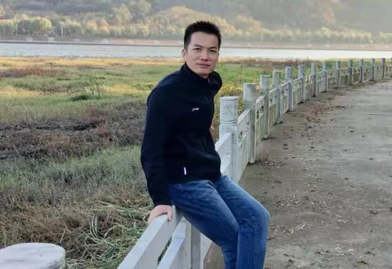 信阳灵石闪电行动第五期周冠军颁奖