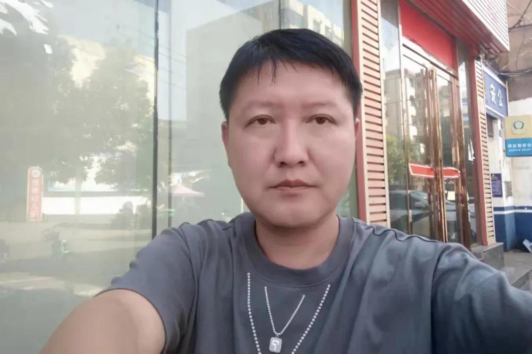 信阳灵石高峰行动9月周冠军颁奖