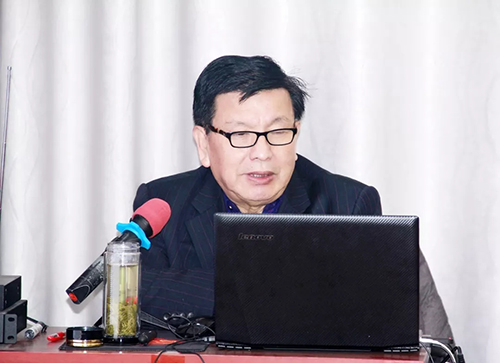 著名专家、济南大学教授陈绍龙莅临授课