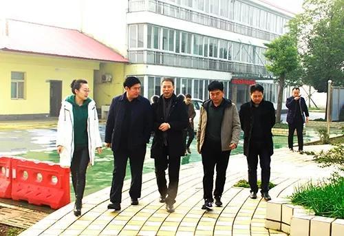 18年12月20日,省散装水泥办公室书记刘海中一行调研。