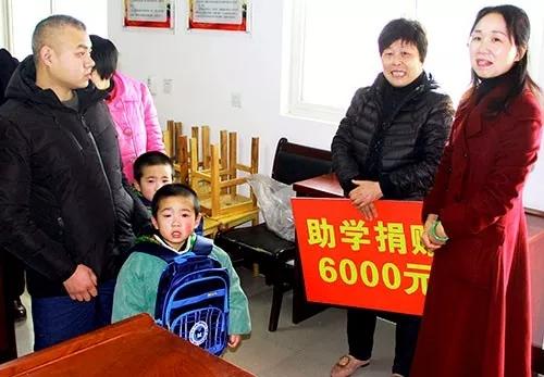 """信阳灵石第三次""""一对一""""爱心帮扶贫困家庭、续圆孩子读书梦想"""